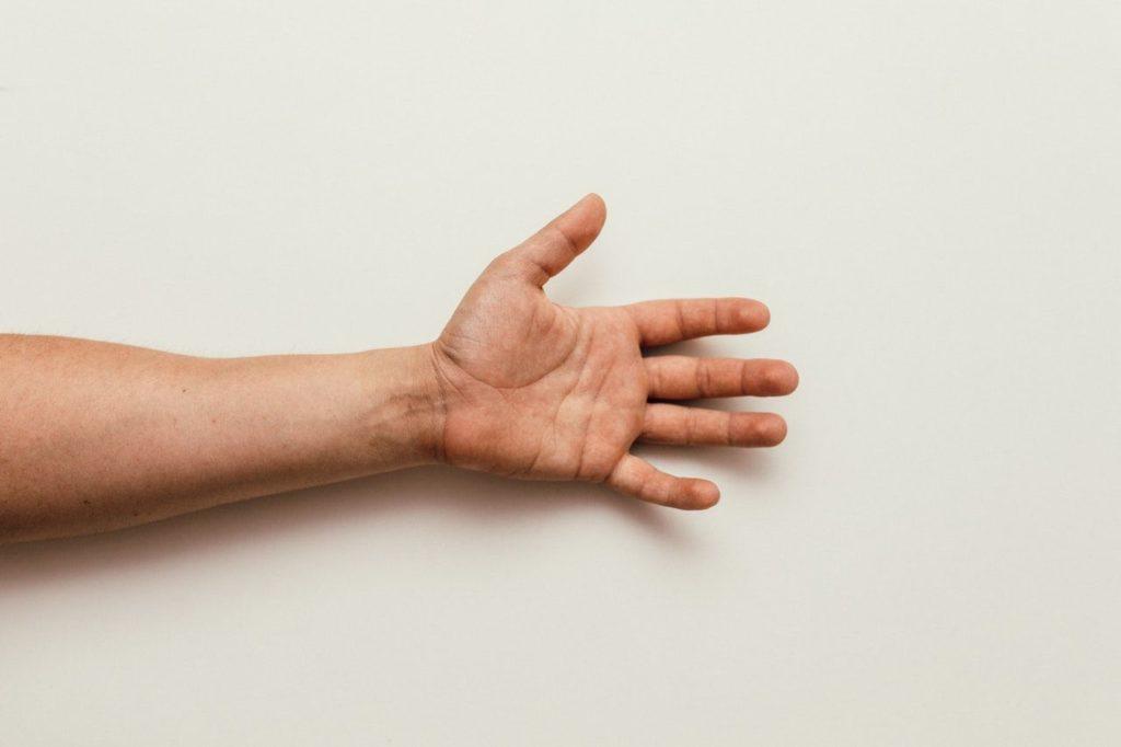 Fourmillement main et bras gauche